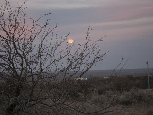 021711-moon-rise-Seminole Canyon Archaeological park
